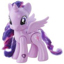 Boneca My Little Pony Explore Equestria - Princess Twilight Sparkle Hasbro 15cm