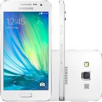 "Smartphone Samsung Galaxy A3 Duos 16GB Dual Chip - 4G Câm. 8MP + Selfie 5MP Tela 4.5"" Proc. Quad Core"