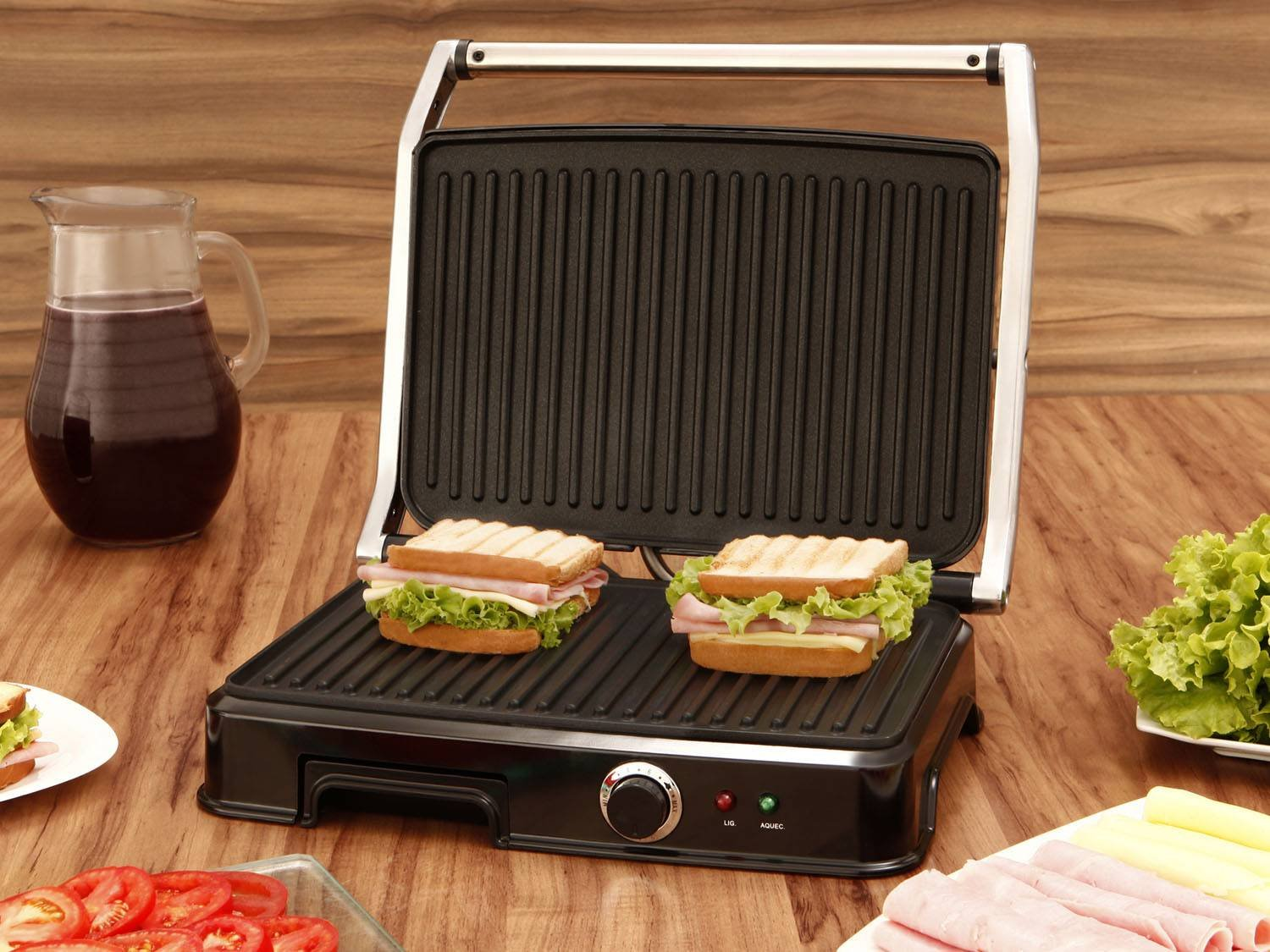 Grill 1830w com alça fria e chapa antiaderente philco super press