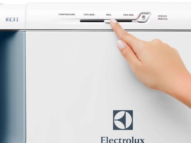 Refrigerador Electrolux Degelo Prático RE31 com Controle de Temperatura 240L- Branco - 110v - 9