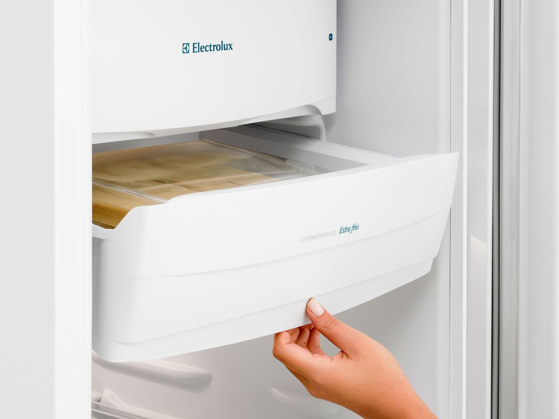 Refrigerador Electrolux Degelo Prático RE31 com Controle de Temperatura 240L- Branco - 110v - 12