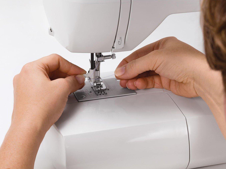 Máquina de Costura Singer Starlet 6680 74 Pontos - Branca/Roxa - 110v - 16