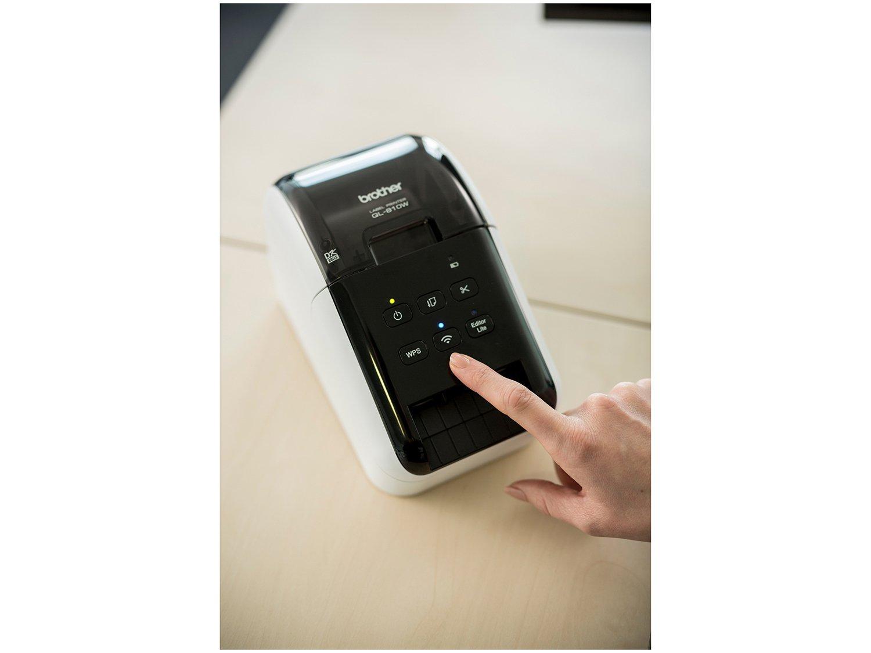 Foto 8 - Impressora de Etiquetas Brother QL810W - Monocromática com WiFi