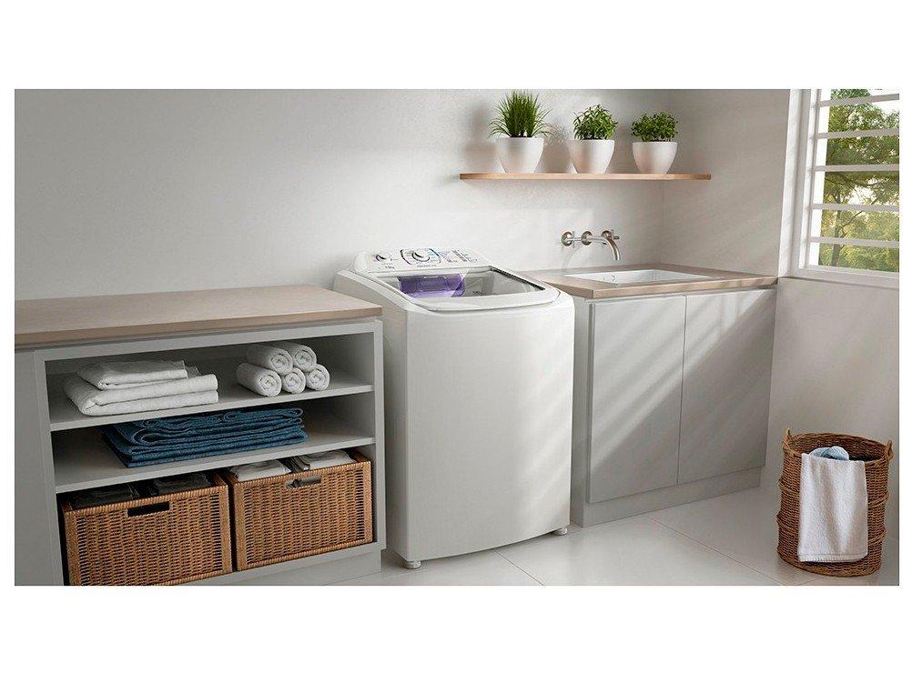 Lavadora de Roupas Electrolux Premium Care LPR13 - 13kg Cesto Inox 12 Programas de Lavagem - 110 V - 2