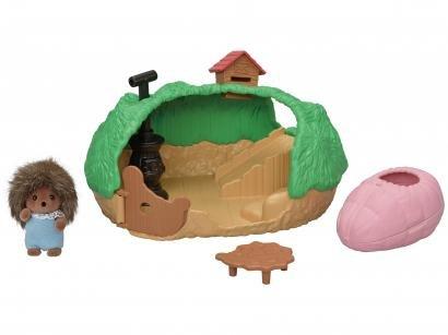 Sylvanian Families O Esconderijo do Bebê - Porco Espinho com Acessórios Epoch Magia